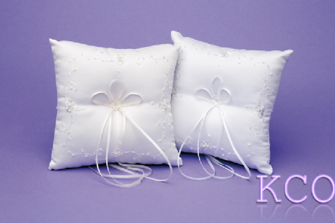 Ring Cushions Style R0932 White~ Special Occasion